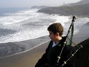 Kid with a bagpipe in Arnao